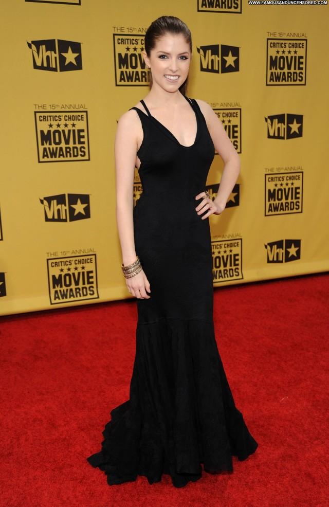 Anna Kendrick Critics Choice Movie Awards Beautiful Posing Hot