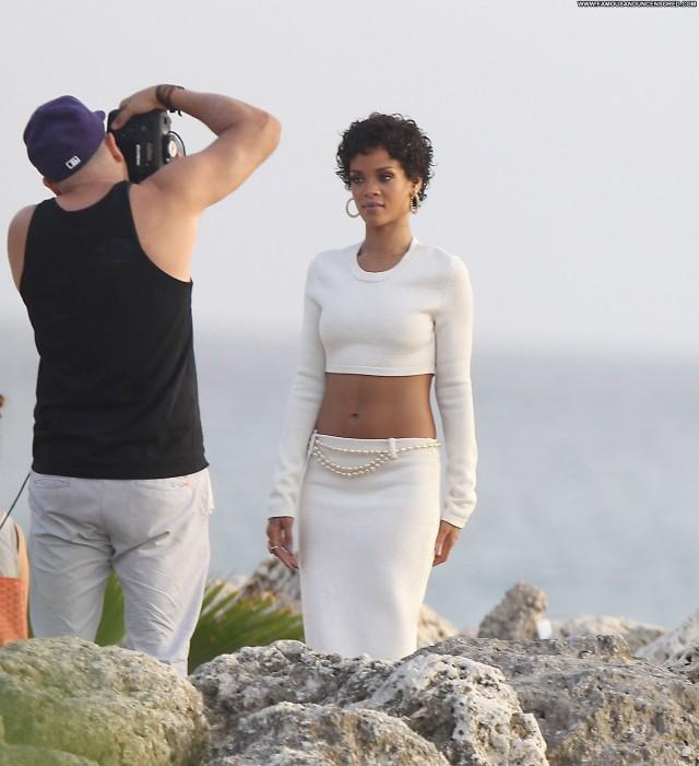 Rihanna Photoshoot Beautiful Barbados High Resolution Babe Posing Hot