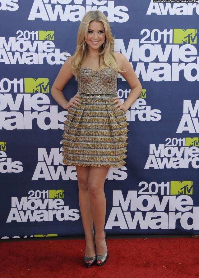 Ashley Benson Mtv Movie Awards Movie Posing Hot Beautiful Awards Babe