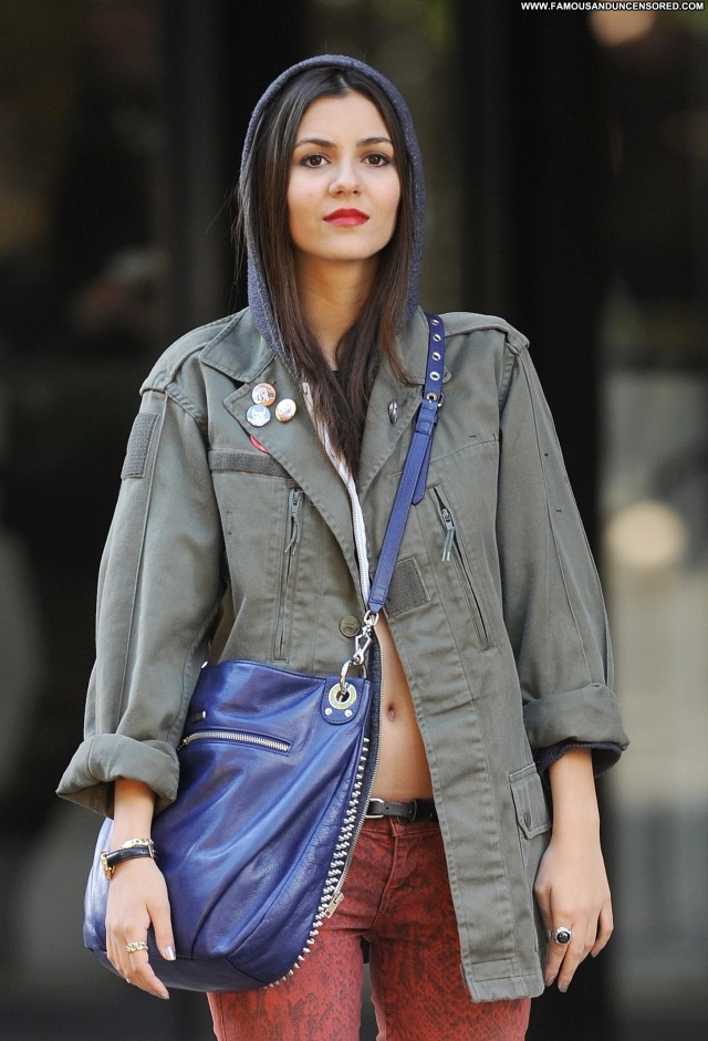 Victoria Justice New York Candids Celebrity New York High Resolution