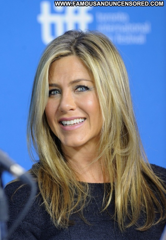 Jennifer Aniston Life Of Crime High Resolution Celebrity Posing Hot