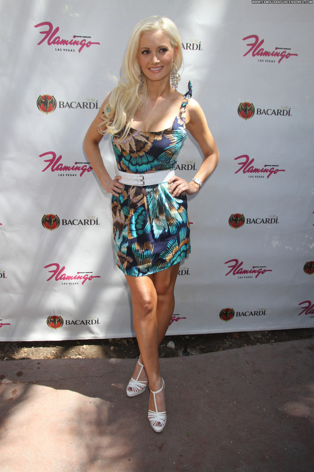 Holly Madison Pool Party Babe Celebrity Posing Hot Hotel Beautiful