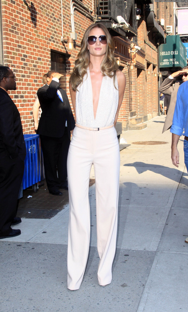 Rosie Huntington The Late Show Celebrity Posing Hot High Resolution