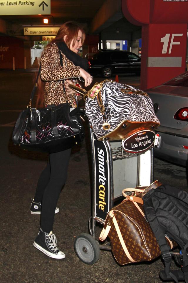 Miley Cyrus No Source Posing Hot High Resolution Babe Beautiful