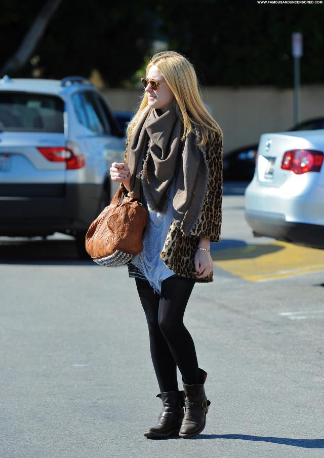 Dakota Fanning Los Angeles Shopping Posing Hot Beautiful High