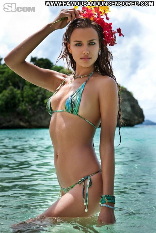 Irina Shayk Sports Illustrated Swimsuit  Swimsuit Posing Hot Babe