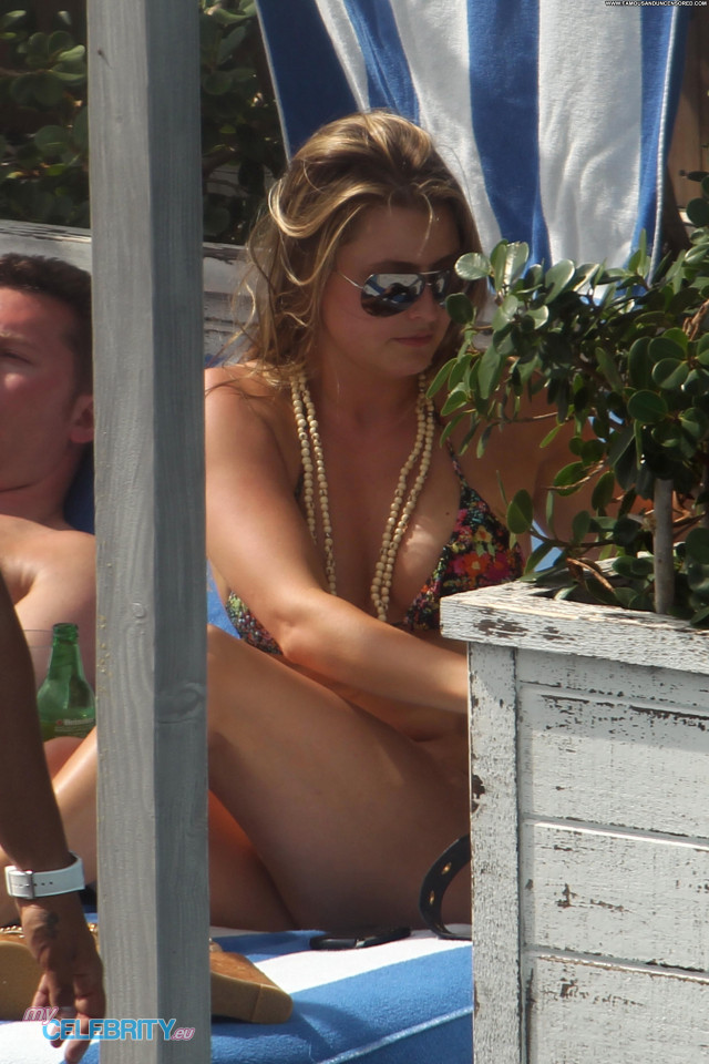Holly Valance South Beach Beautiful Beach Bikini Babe Swimsuit