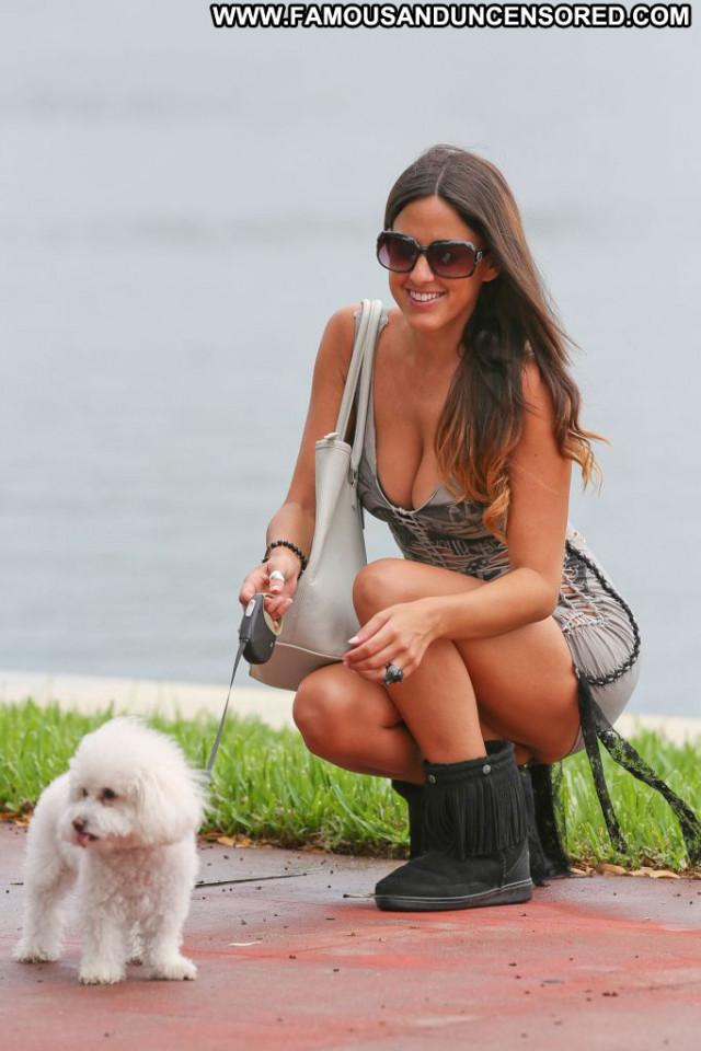 Claudia Romani No Source  Posing Hot Babe Candid Celebrity Usa