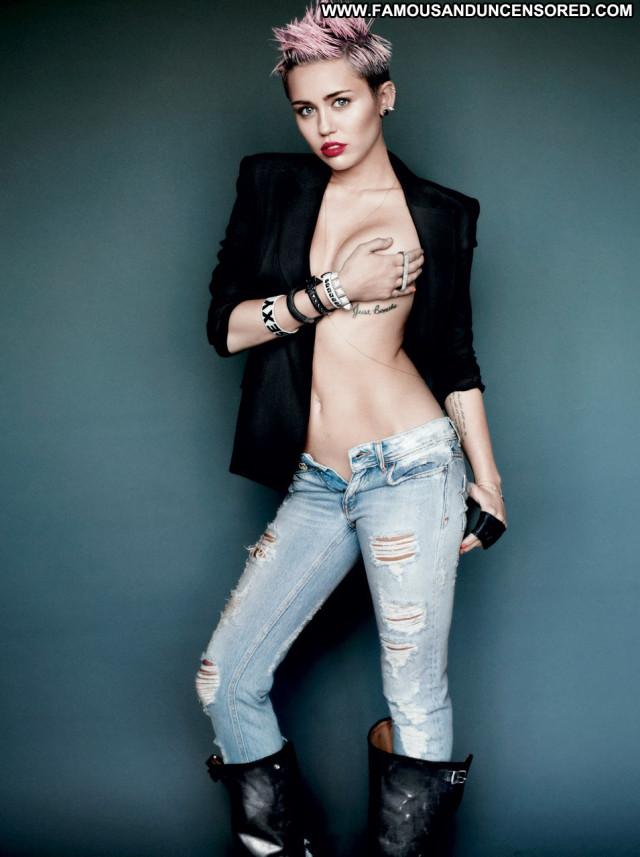 Miley Cyrus V Magazine Babe Magazine Celebrity Posing Hot Uk