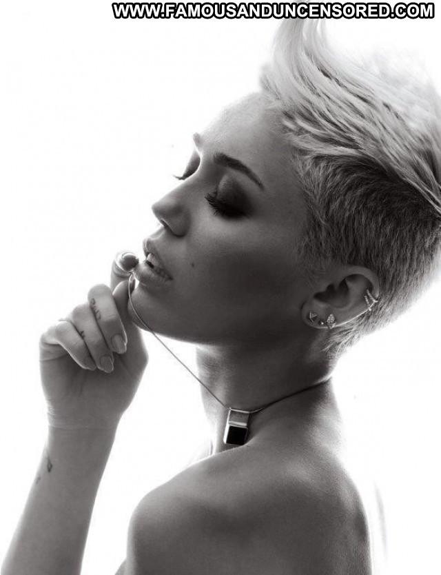 Miley Cyrus V Magazine  Celebrity Posing Hot Babe Photoshoot Uk Usa