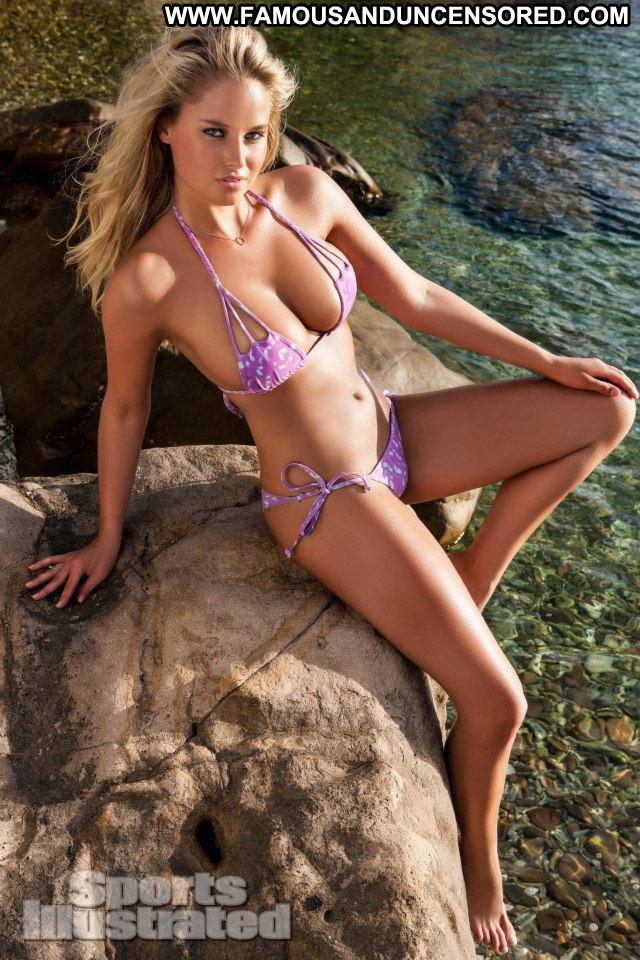 Genevieve Morton E Love  Babe Posing Hot Celebrity Swimsuit Model