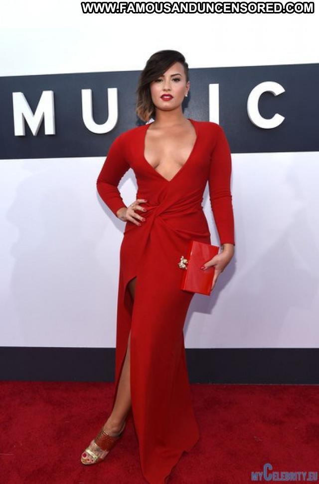 Selena Gomez Red Carpet Usa Awards Babe Celebrity Beautiful Posing