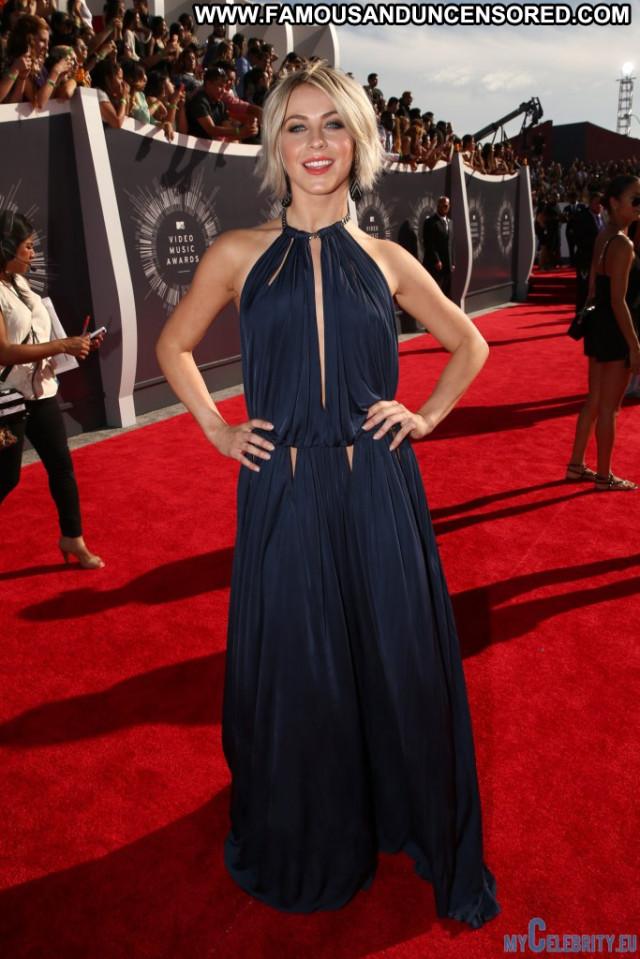 Selena Gomez Red Carpet Babe Celebrity Usa Awards Posing Hot Red