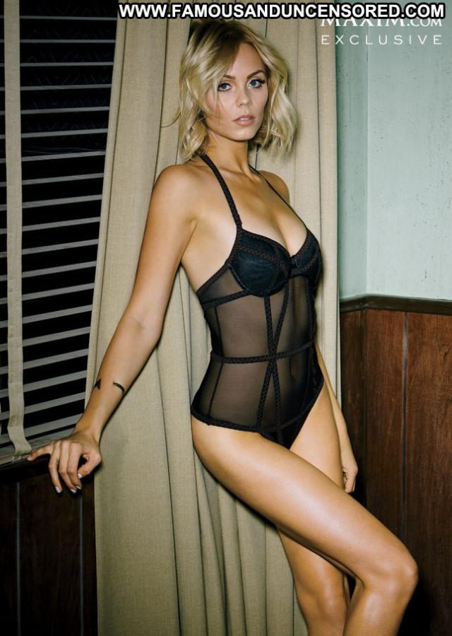 Laura Vandervoort No Source  Posing Hot Babe Usa Beautiful Celebrity