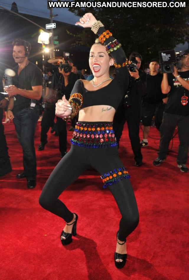 Miley Cyrus Hannah Montana Posing Hot Beautiful Celebrity Babe