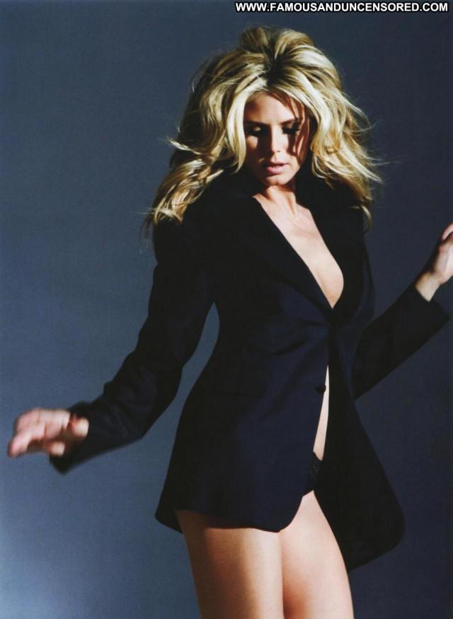 Heidi Klum Posing Hot Celebrity Babe Beautiful Doll Famous Gorgeous