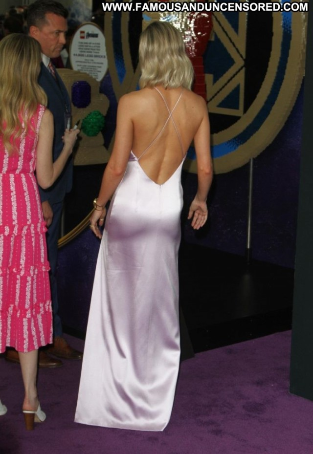 Brie Larson The Los Angeles Premiere Of Nice Celebrity Posing Hot