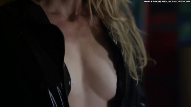 Winter Ave Zoli Cat Run Movie Hot Celebrity