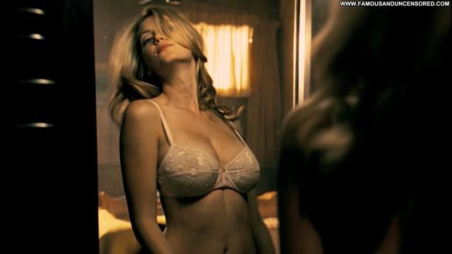 Diora Baird Nude Sexy Scene Texas Chainsaw Massacre Movie