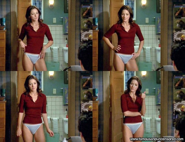 Elizabeth Bogush Scrubs Sexy Nude Scene Celebrity Beautiful Posing