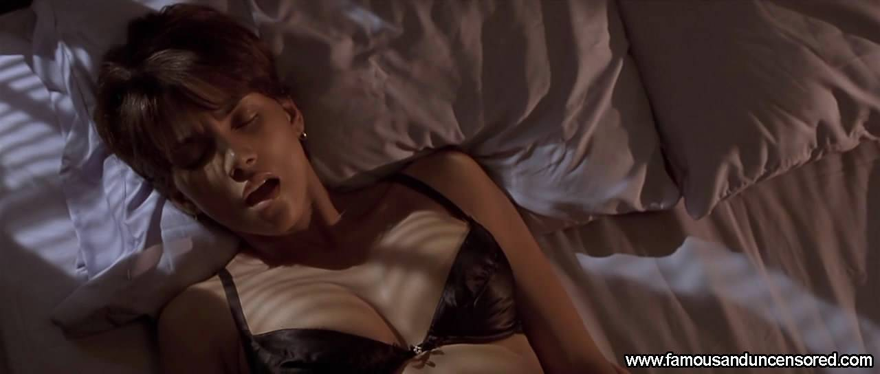 halle berry sex scene - XVIDEOSCOM