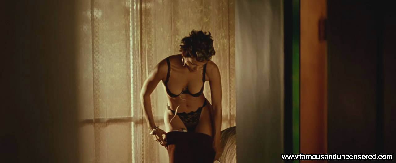 Halle Berry Nude Sexy Scene in Swordfish