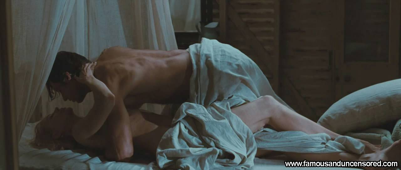 Zac Efron Completely Nude