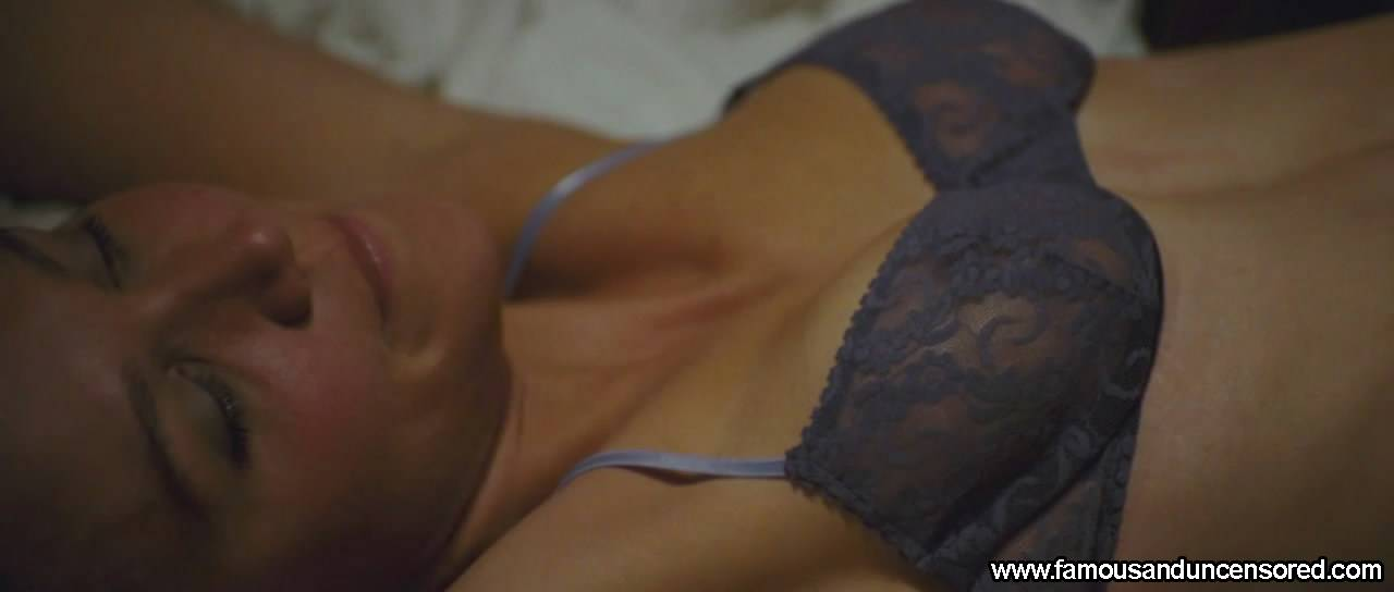Maggie Gyllenhaal Nude Sexy Scene in Crazy Heart
