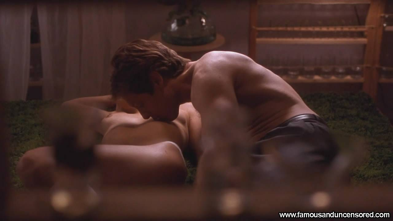 25906-maggie-gyllenhaal-nude-sexy-scene-1.jpg