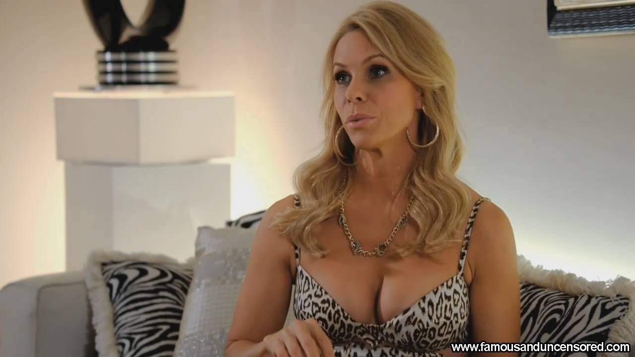 Cheryl Hines Nude Se Scenes Pictures And Videos Famous