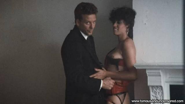 Cintia Cruz Weeks Sexy Nude Scene Beautiful Celebrity