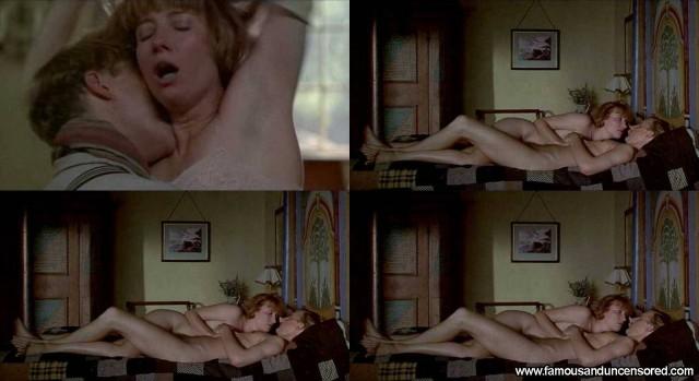 Emma Thompson Carrington Sexy Celebrity Nude Scene Beautiful Posing