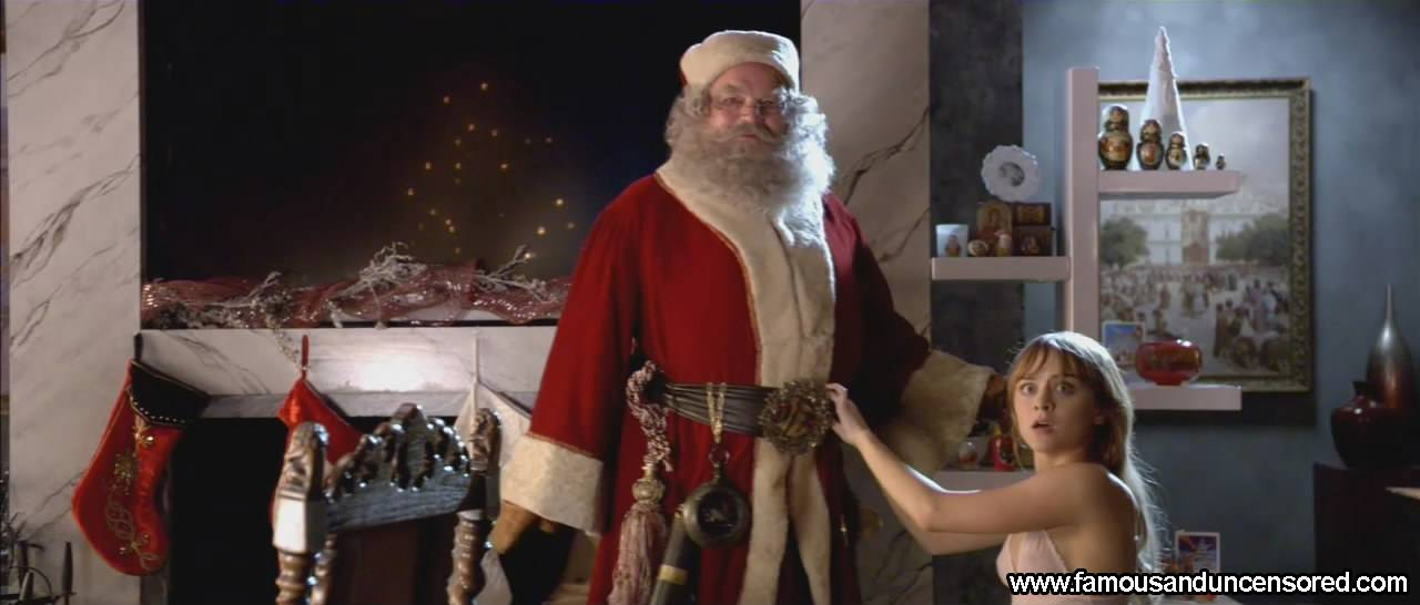 Jordan Hinson Nude Sexy Scene in A Very Harold and Kumar 3D Christmas