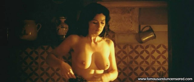 Monica Bellucci Malena Beautiful Nude Scene Sexy Celebrity
