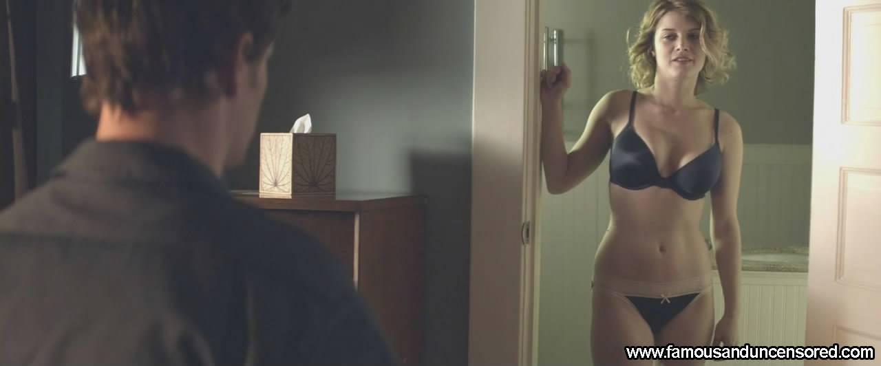 Sarah jones survivor nude aged