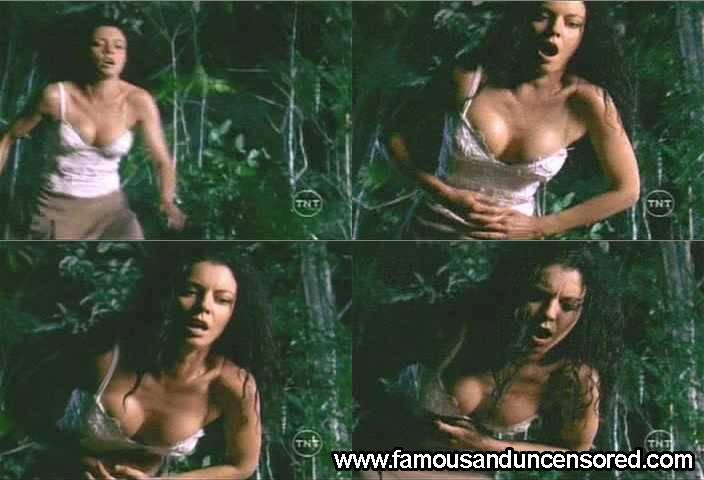 preuto tican female nudes