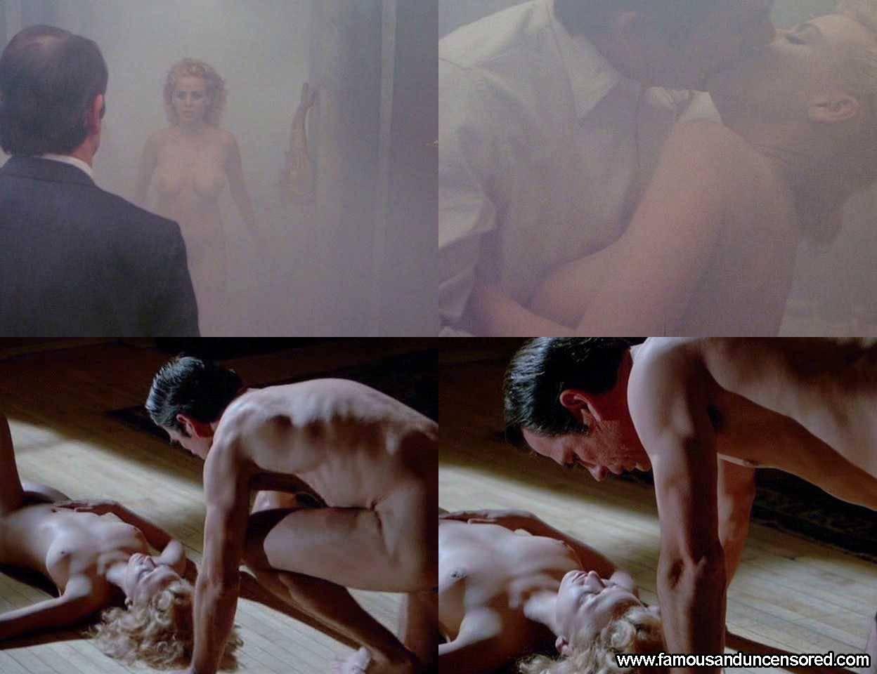 amateur naked women having sex