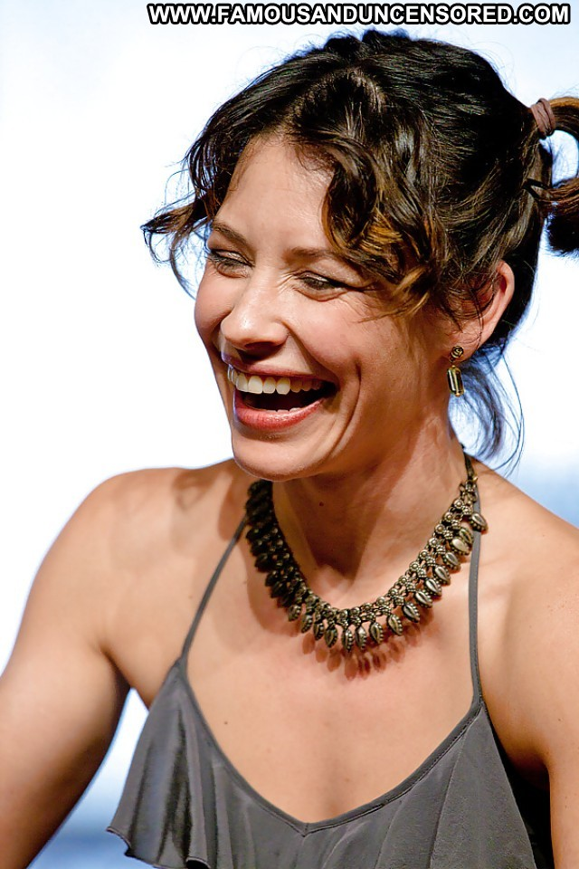 evangeline-lilly-mouth-open-pregnant-nude-wife