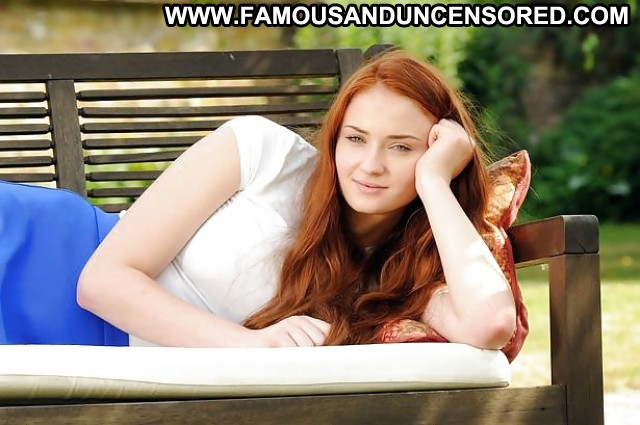 Sophie Turner Pictures Celebrity Babe Redhead Doll Posing Hot Nude