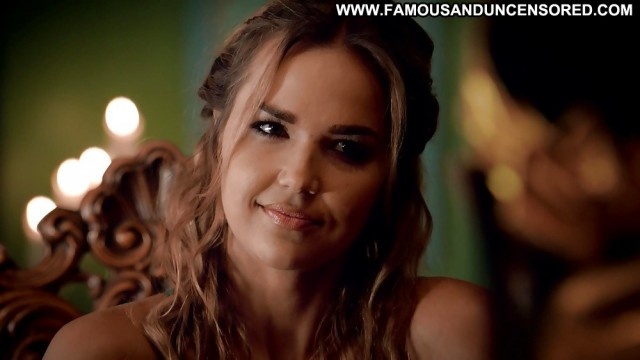 Arielle Kebbel Pictures Close Up Babe Celebrity